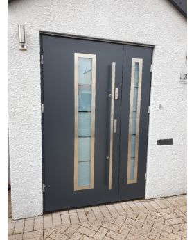 Fargo 12 DB - front house door with side panel