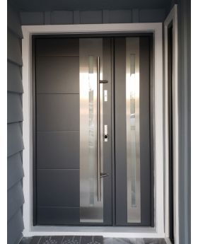 Fargo 26DB - front house door with side panel