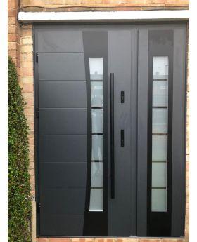 Fargo 37 DB - main door with one side panel