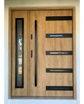 Fargo 39 DB - contemporary front door with side panel