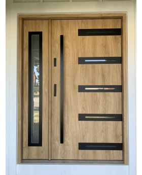 Fargo 39 A DB - main door with one side panel
