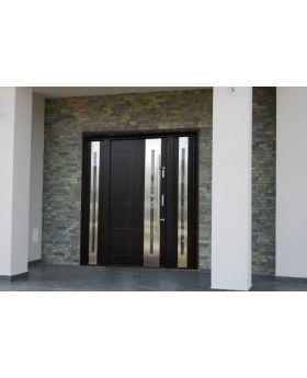 Fargo 26 T - main door with one side panel